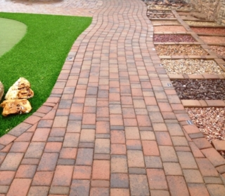 walkway-with-tierra-norte-pavers